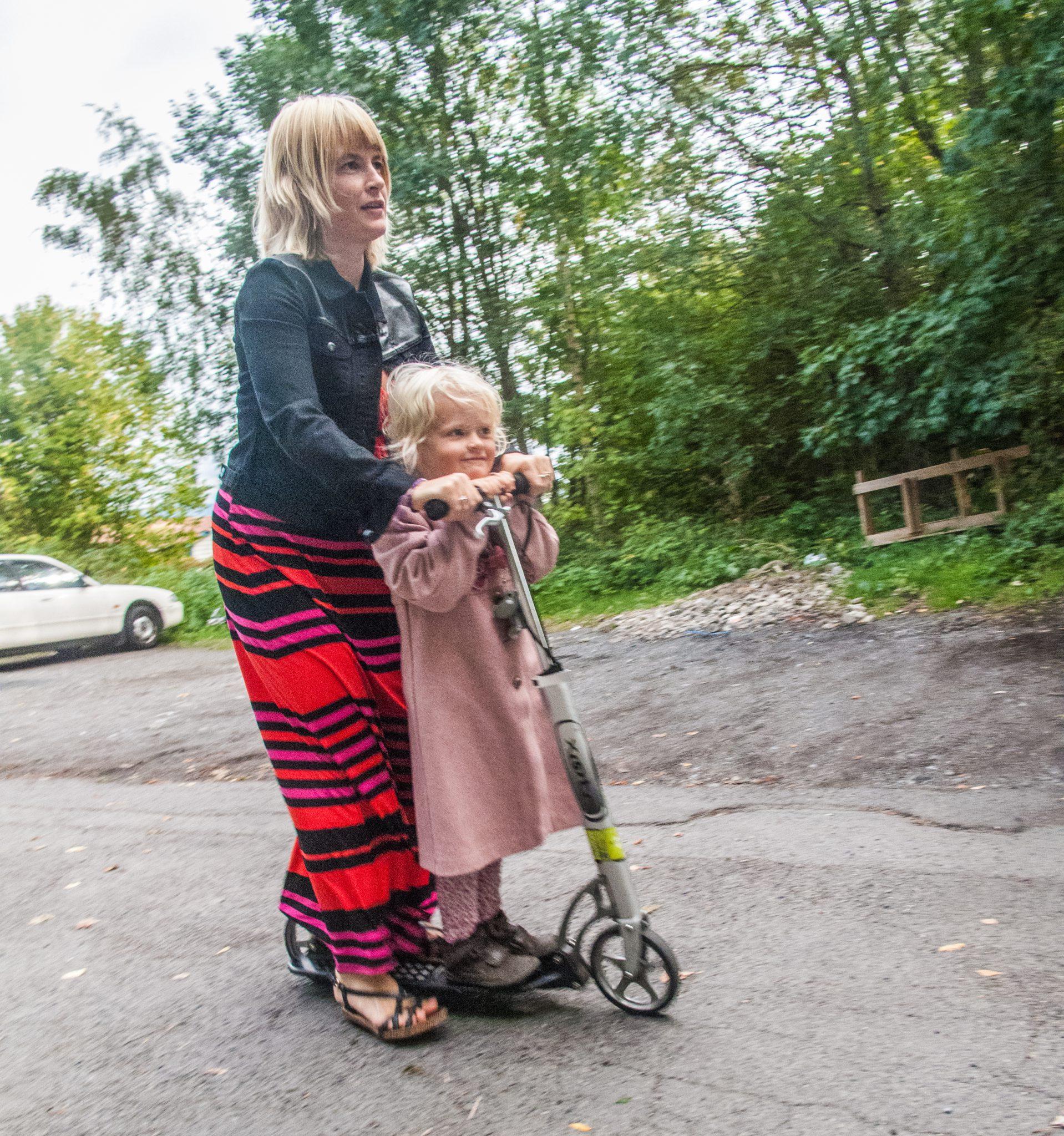 Med sparkesykkel til og fra barnehagen